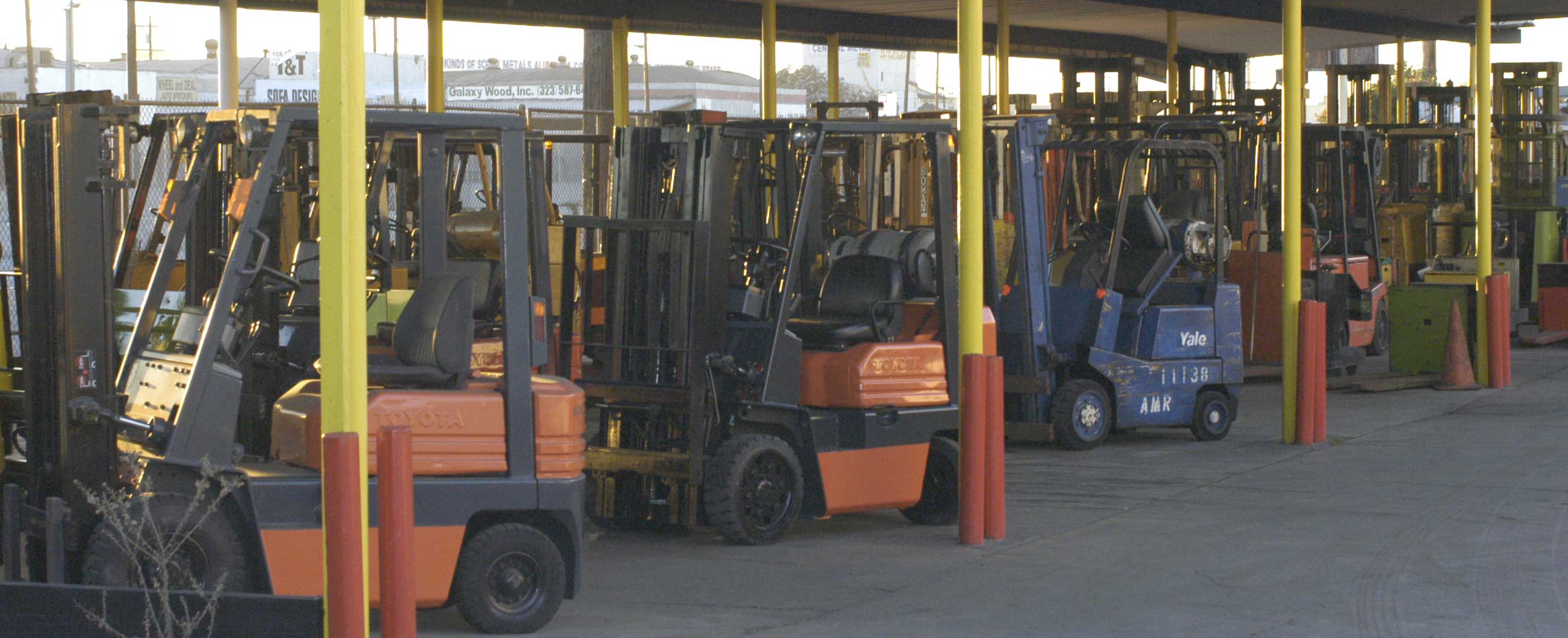 Certification and forklifts click here for forklift certificationforkliftsfork liftfork lifts forklift and xflitez Gallery